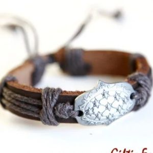 Shield Cowhide Leather Bracelet, Handmade 🌸